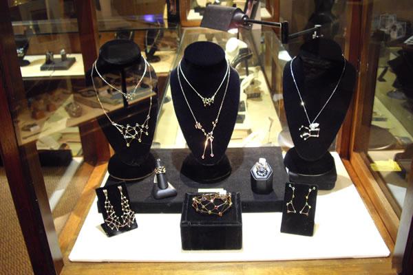Jaime-Moreno-Art-in-Fine-Jewelry-Individual-Exhibition-at-Rock-Hard-Design-Jewelers-Pensacola-FL-USA-Nov25th-Dec23rd-2013-(10)