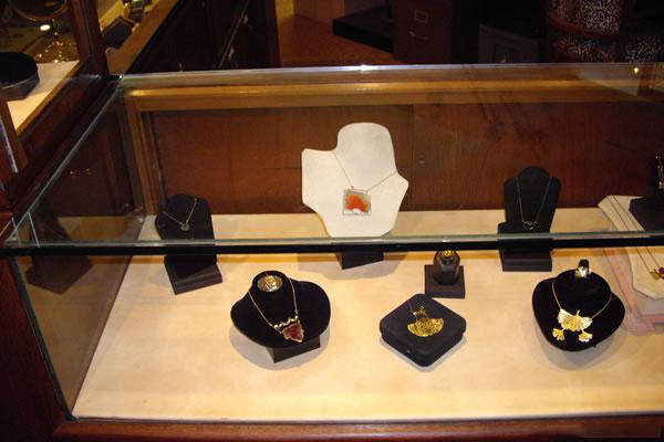 Jaime-Moreno-Art-in-Fine-Jewelry-Individual-Exhibition-at-Rock-Hard-Design-Jewelers-Pensacola-FL-USA-Nov25th-Dec23rd-2013-(12)