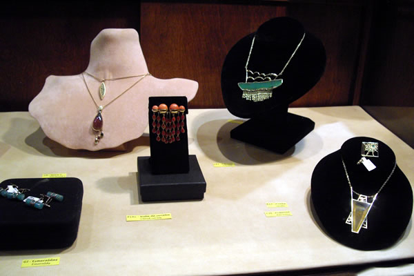 Jaime-Moreno-Art-in-Fine-Jewelry-Individual-Exhibition-at-Rock-Hard-Design-Jewelers-Pensacola-FL-USA-Nov25th-Dec23rd-2013-(17)