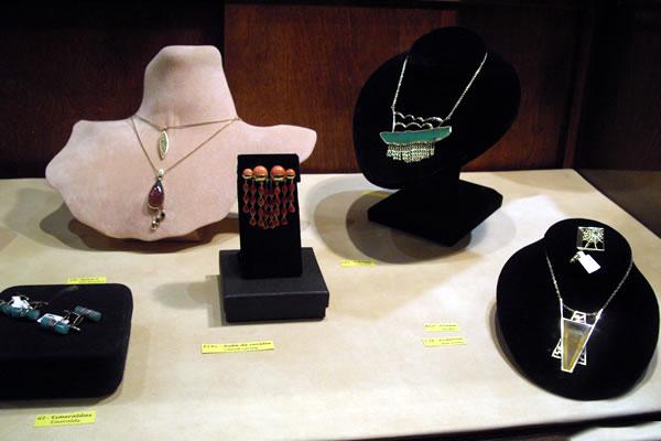 Jaime-Moreno-Art-in-Fine-Jewelry-Individual-Exhibition-at-Rock-Hard-Design-Jewelers-Pensacola-FL-USA-Nov25th-Dec23rd-2013-(17)