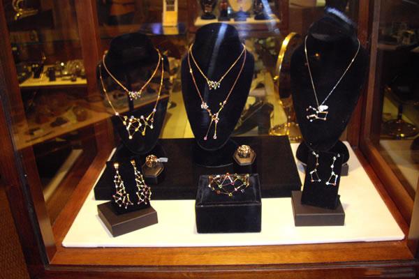Jaime-Moreno-Art-in-Fine-Jewelry-Individual-Exhibition-at-Rock-Hard-Design-Jewelers-Pensacola-FL-USA-Nov25th-Dec23rd-2013-(9)