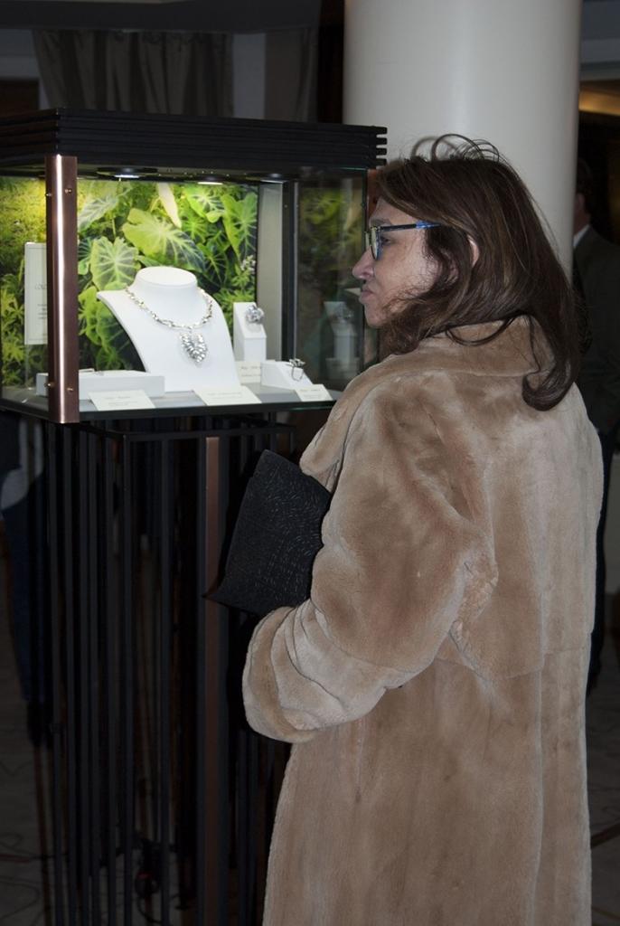 Jaime-Moreno-Art-In-Fine-Jewelry-Christmas-Presentation-at-the-Wellington-Hotel-Dec-2016-(5)