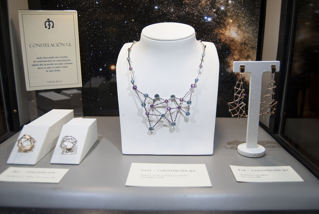 Jaime-Moreno-Art-In-Fine-Jewelry-Christmas-Presentation-at-the-Wellington-Hotel-Dec-2016-Showcase-Cabinet-(7)