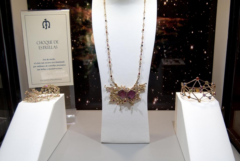 Jaime-Moreno-Art-In-Fine-Jewelry-Christmas-Presentation-at-the-Wellington-Hotel-Dec-2016-Showcase-Cabinet-(8)
