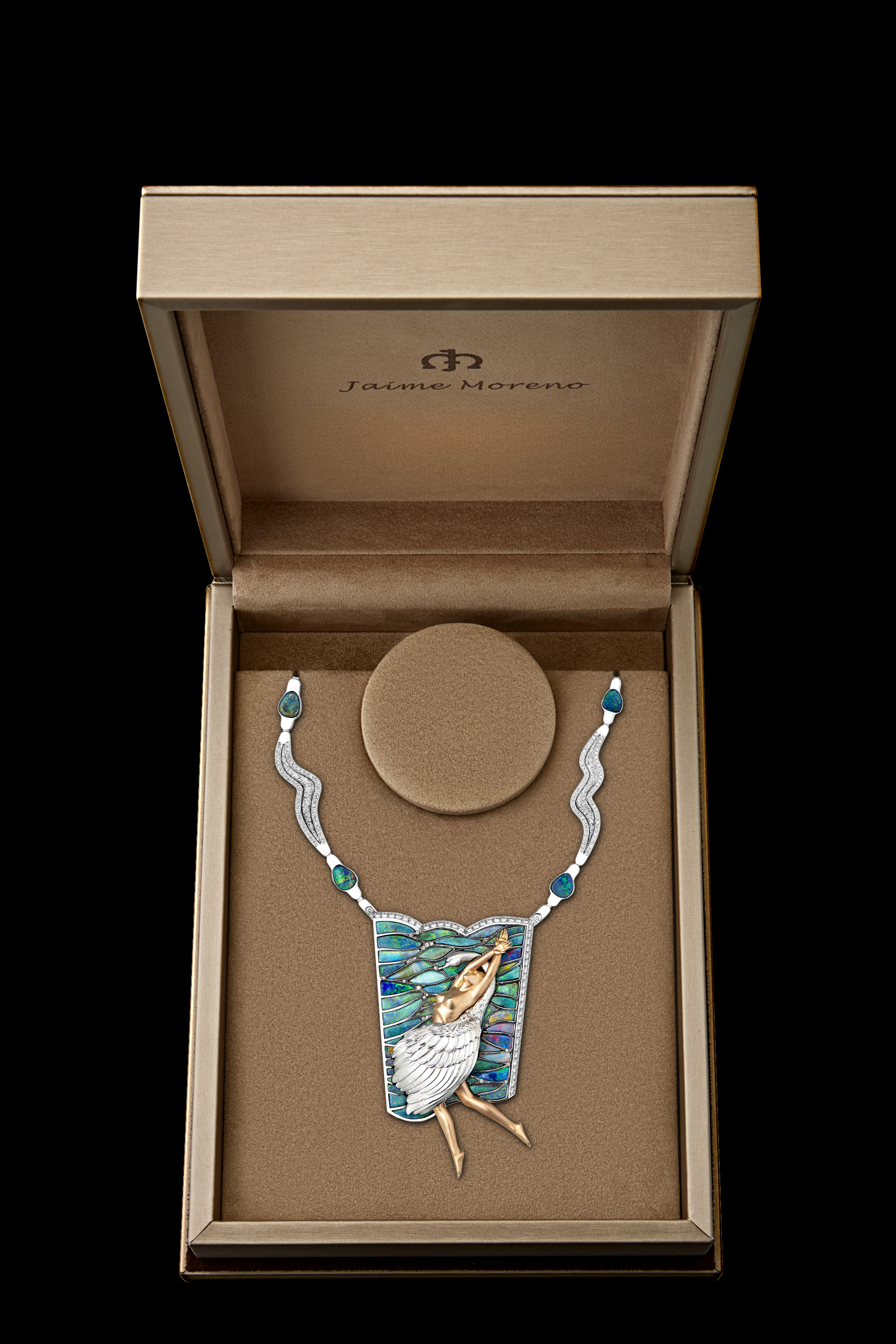 Jaime-Moreno-Art-in-Fine-Jewelry-Swan-Lake-Unique-Masterpieces-Packaging-2