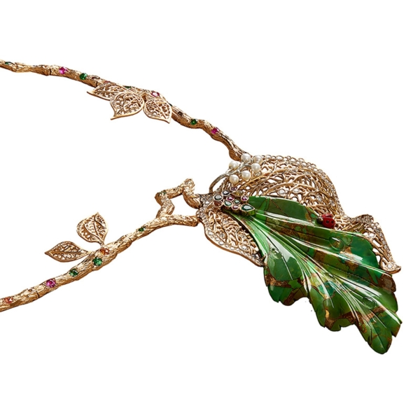 Four-Seasons-Necklace-Jaime-Moreno-Art-in-Fine-Jewelry-Best-Spanish-Luxury-Jewelry-High-Detail-White
